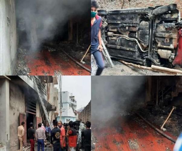 लखनऊ में तीन मंजिला घर में चल रहे जूता-चप्पल गोदाम में भीषण आग