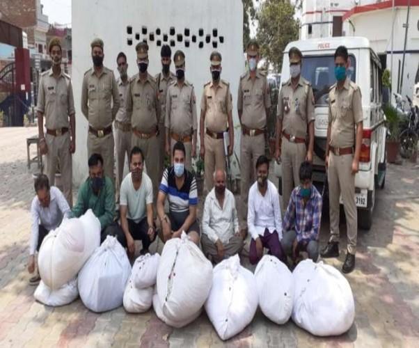 बागपत में शवों से कफन चुराकर दोबारा बेचने वाले गिरोह का खुलासा, सात गिरफ्तार