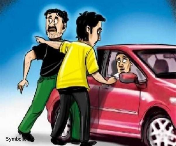 कन्नौज में लिफ्ट मांगकर टप्पेबाजी का शिकार हुए दंपती, आरोपितों ने बैग से पार की नकदी और जेवरात