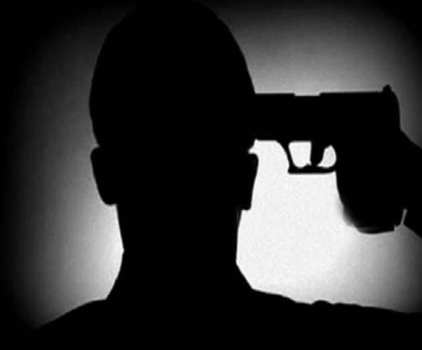 पेरोल पर आए जैका गैंग के शूटर ने कनपटी पर गोली मारकर की आत्महत्या