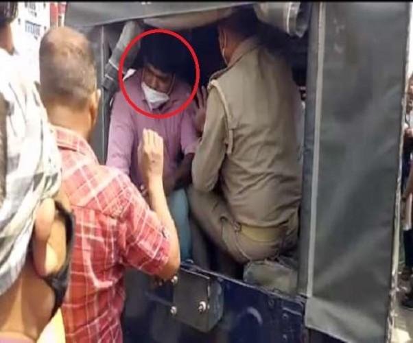 कानपुर के नेताजी का मेहमान हिस्ट्रीशीटर गिरफ्तारी के बाद मिनटों में हुआ गायब, 19 लोगों पर मुकदमा
