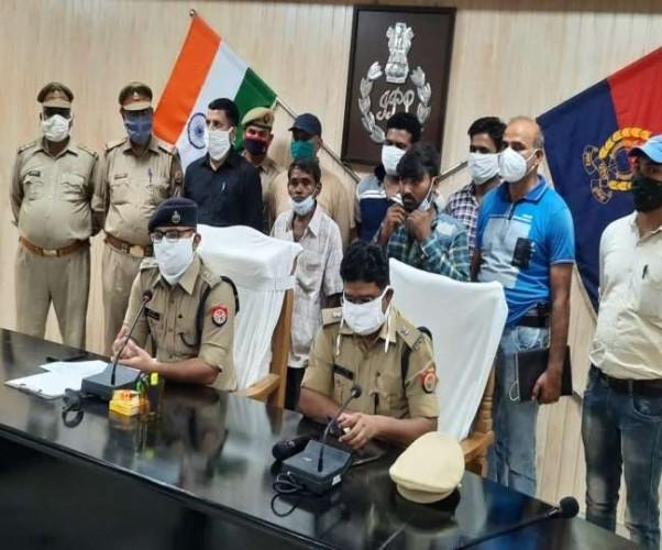 कौशांबी पुलिस ने पति और श्वसुर को भेजा जेल