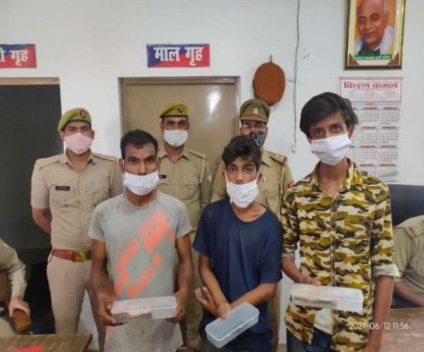 लखनऊ में आइपीएस के घर चोरी करने वाले तीन गिरफ्तार, माल बरामद