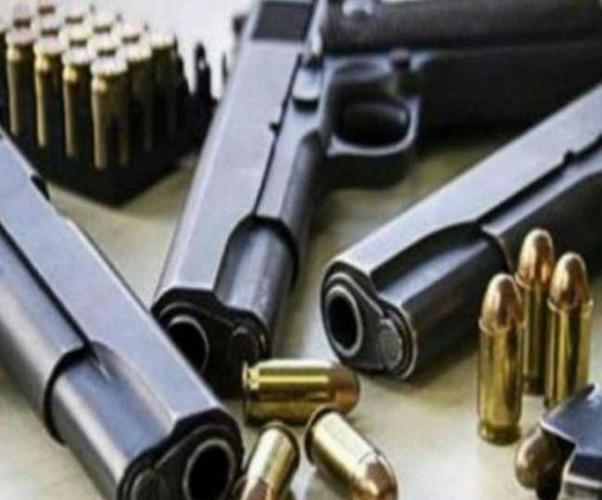 प्रतापगढ़ में ATS की छापेमारी में पिस्टल-रिवॉल्वर समेत कई असलहे जब्त, छह लोग गिरफ्तार