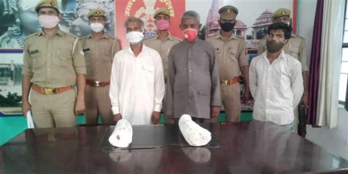 सोनभद्र में हाथी के ढाई करोड़ कीमत के दो दांत के साथ तीन गिरफ्तार