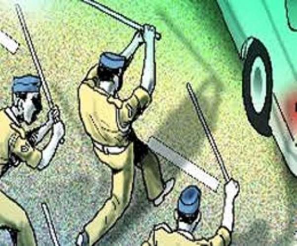 हाथरस में अवैध खनन रोकने गए दो सिपाहियों को घेरकर पीटा, 23 लोगों के खिलाफ रिपोर्ट