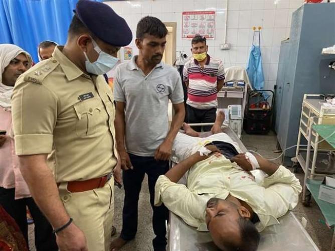 चंदौली में बैंक ग्राहक सेवा केंद्र संचालक को रंगदारी में मारी गोली