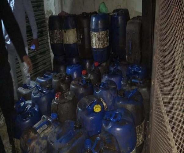 फतेहपुर में 41 केन अपमिश्रित सरसों का तेल बरामद , आरोपित फरार