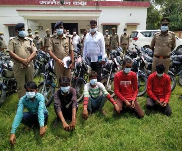 फतेहपुर में स्वाट के हत्थे चढ़े पांच अंतरराज्जीय चोर