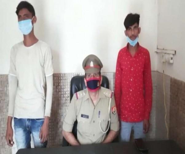 हाथरस में मुठभेड़ के दौरान फरार दो पशु तस्करों को पुलिस ने दबोचा