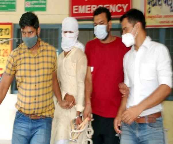 शामली में जम्मू-पुलिस और यूपी ATS का छापा, युवक को दबोचा