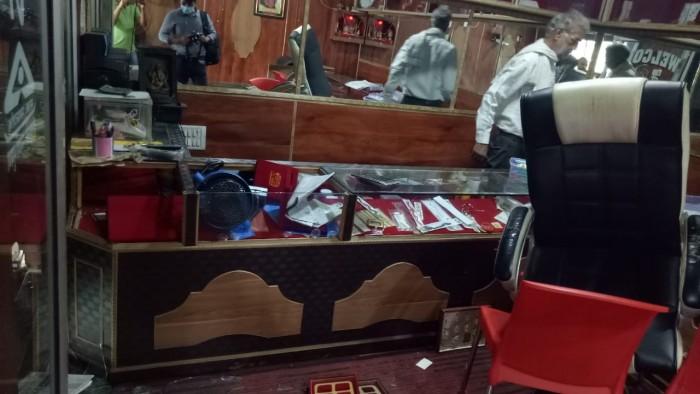 बंथरा में चोरों का आतंक,ज्वेलर्स कि दुकान को बनाया निशाना