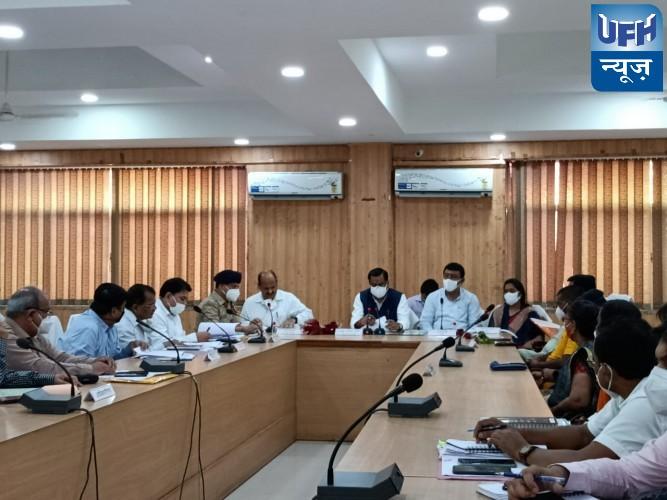 हमीरपुर-जल शक्ति मंत्री ने हवाई सर्वेक्षण के माध्यम से हमीरपुर में बाढ़ की स्थिति का लिया जायजा