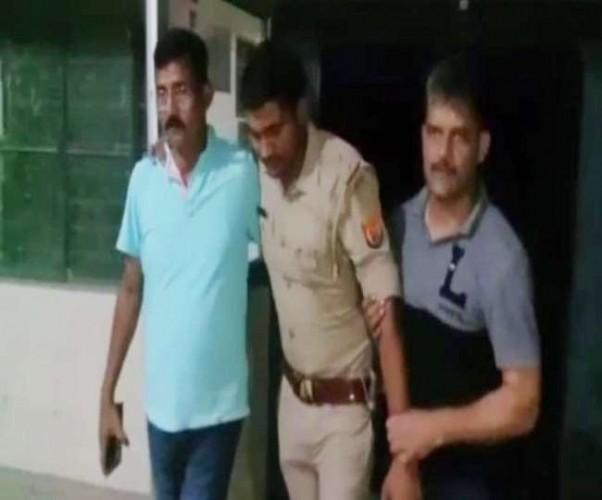 बदमाशों और पुलिस टीम के बीच कई राउंड फायरिंग, एक गिरफ्तार