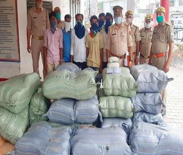 हाथरस पुलिस ने 727 किलो गांजा के साथ छह तस्कर दबोचे, भेजे जेल