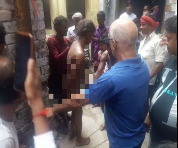 चोरी के आरोप में युवक को रस्सी से बांधकर पीटा, कपड़े फाड़े और नग्न कर घुमाया; चार गिरफ्तार