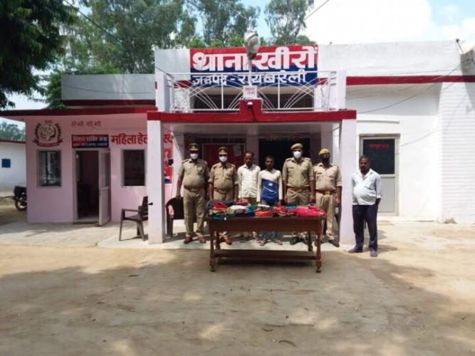 खीरों पुलिस ने चोरी के सामान के साथ दो अभियुक्तों को किया गिरफ्तार