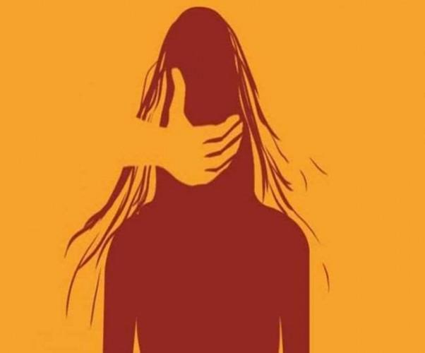 सरेराह दो बहनों को उठाने के प्रयास में मुकदमा, चार गिरफ्तार